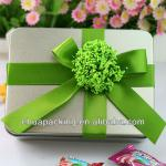 packing gift tin box